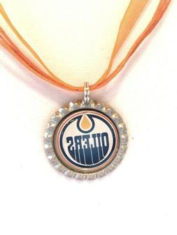 HOCKEY FANS!!  Edmonton OILERS Hockey Necklace