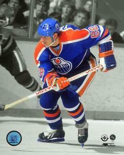 Wayne Gretzky Edmonton Oilers NHL Spotlight Action Photo RZ1